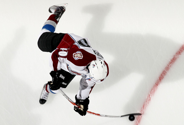 UNIONDALE NY - OCTOBER 16:  Mark Olver #40 of the Colorado Avalanche warms up before playing against the New York Islanders on October 16 2010 at Nassau Coliseum in Uniondale New York.  (Photo by Jim McIsaac/Getty Images)