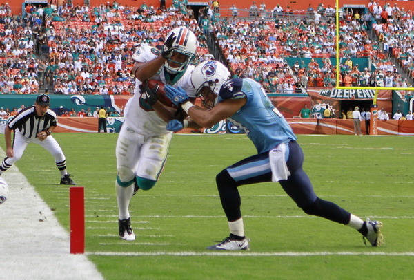 MIAMI - NOVEMBER 14:  There were no pictures of the Titans scoring.  (Photo by Marc Serota/Getty Images)