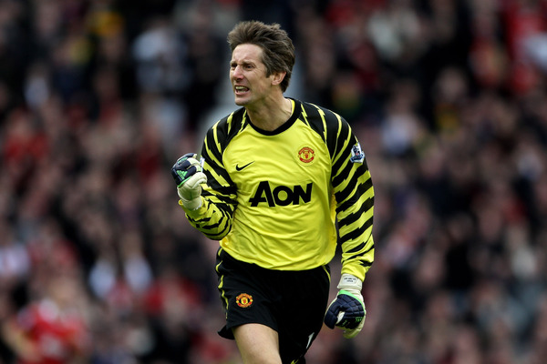 Edwin van der Sar reportedly wants to stay involved with Manchester United in some capacity after his retirement at season's end. Who will replace him as United's No 1?  (Photo by Alex Livesey/Getty Images)
