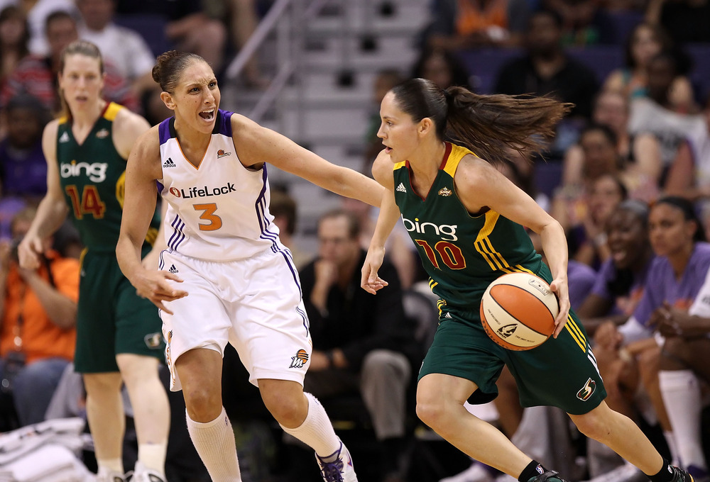 PHOENIX, AZ - JULY 26:  Sue Bird #10 of the Seattle Storm drives the ball against Diana Taurasi #3 of the Phoenix Mercury during the WNBA game at US Airways Center on July 26, 2011 in Phoenix, Arizona. (Photo by Christian Petersen/Getty Images)