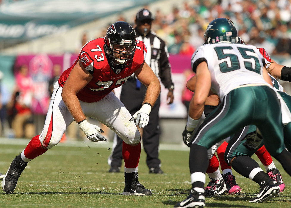 An addition like Harvey Dahl could really benefit the younger players on the St. Louis Rams' offensive line.