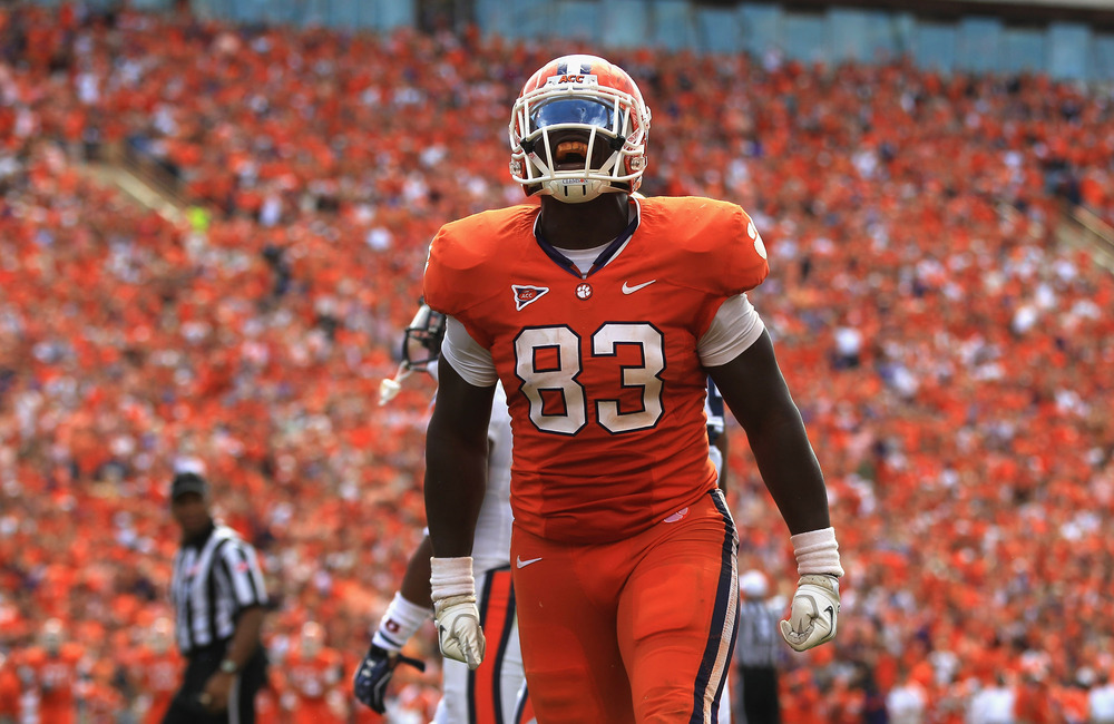 CLEMSON, SC - SEPTEMBER 17:  Dwayne Allen #83 of the Clemson Tigers celebrates against the Auburn Tigers during their game at Memorial Stadium on September 17, 2011 in Clemson, South Carolina.  (Photo by Streeter Lecka/Getty Images)