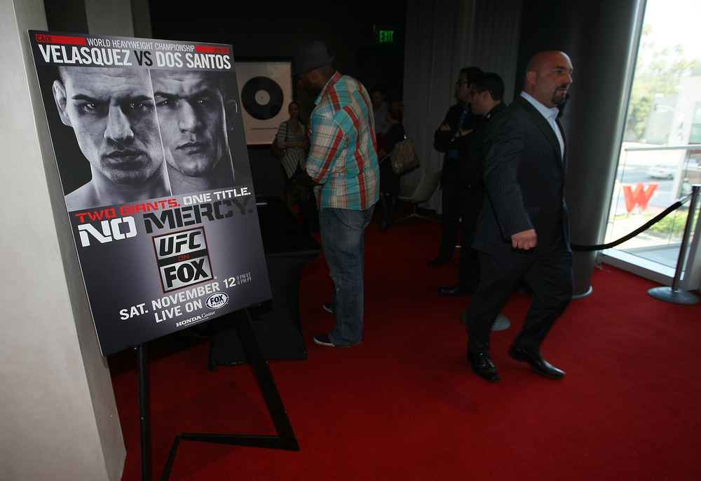 HOLLYWOOD, CA - SEPTEMBER 20:  FOX Sports Personality Jay Glazer looks on prior to the UFC on Fox: Velasquez v Dos Santos - Press Conference at W Hollywood on September 20, 2011 in Hollywood, California.  (Photo by Victor Decolongon/Getty Images)