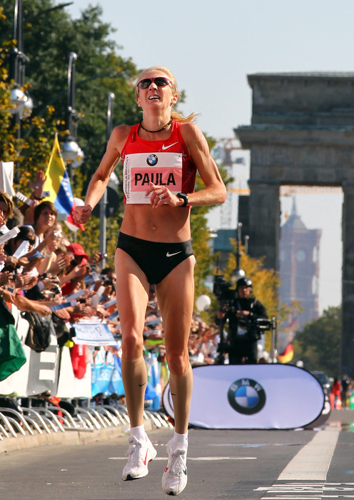 BERLIN, GERMANY - SEPTEMBER 25:  Paula Radcliffe of Great Britain runs during the BMW Berlin Marathon on September 25, 2011 in Berlin, Germany.  (Photo by Martin Rose/Bongarts/Getty Images)