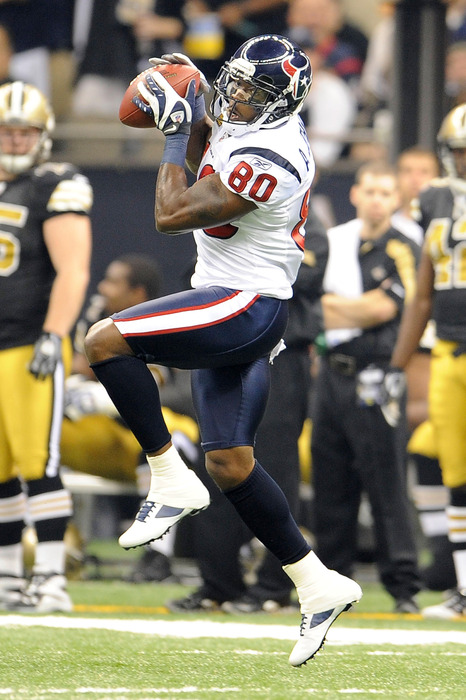 NEW ORLEANS, LA - SEPTEMBER 25:  Andre Johnson #80 of the Houston Texans catches a pass during a game against the New Orleans Saints at the Louisiana Superdome on September 25, 2011 in New Orleans, Louisiana.  (Photo by Stacy Revere/Getty Images)
