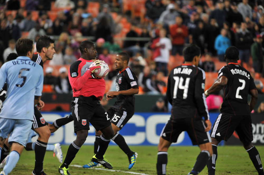WASHINGTON, DC - OCTOBER 22:  Bill Hamid #28 of D.C. United makes a save against Sporting Kansas City at RFK Stadium on October 22, 2011 in Washington, DC. Sporting Kansas City defeated D.C United 1-0. (Photo by Larry French/Getty Images)