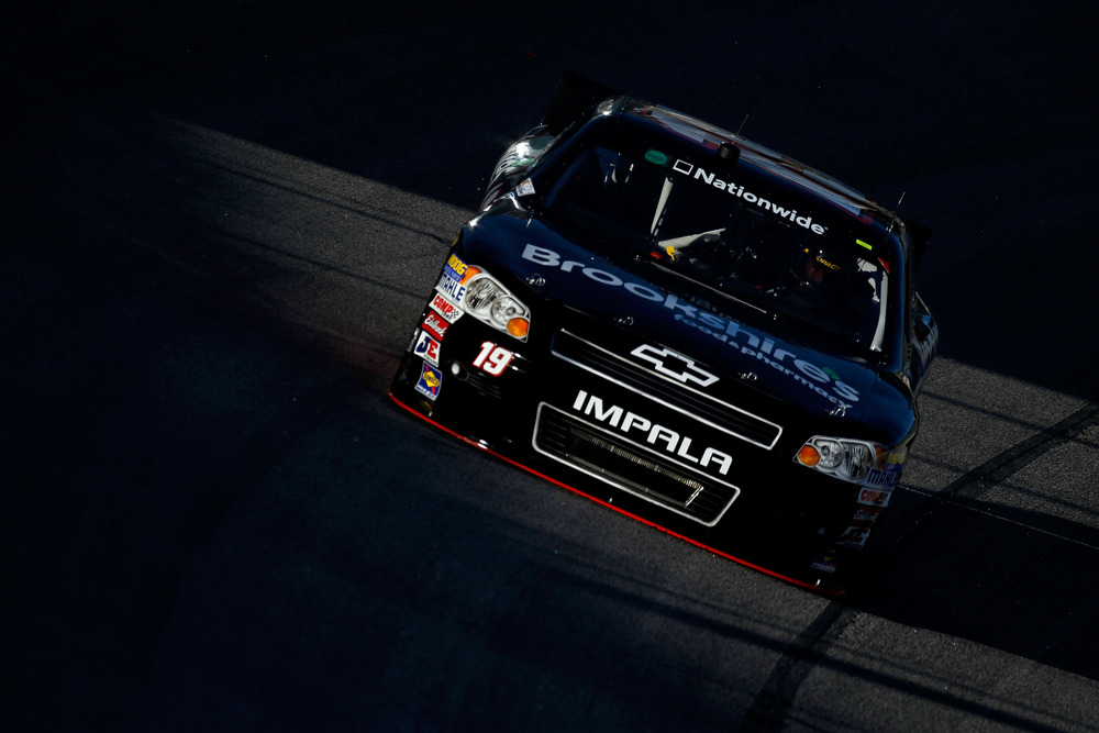 Mike Bliss practices for the NASCAR Nationwide Series O'Reilly Auto Parts Challenge at Texas Motor Speedway.