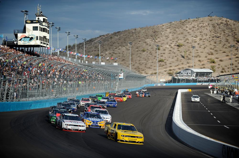 Sam Hornish Jr. on a restart during the NASCAR Nationwide Series Wypall 200 at Phoenix International Raceway.