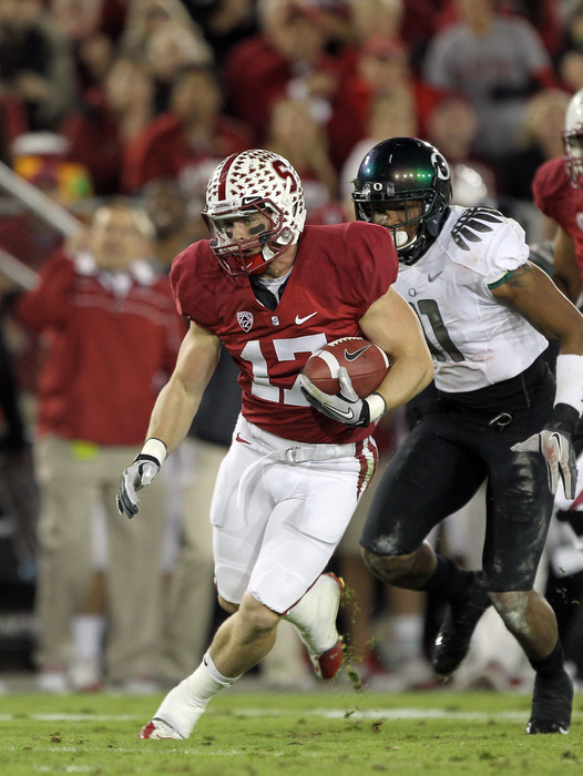 STANFORD, CA - NOVEMBER 12:  Griff Whalen #17 of the Stanford Cardinal runs with the ball after making a reception against the Oregon Ducks at Stanford Stadium on November 12, 2011 in Stanford, California.  (Photo by Ezra Shaw/Getty Images)