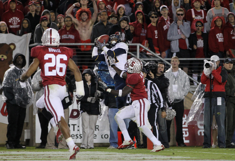 STANFORD, CA - NOVEMBER 19:  Keenan Allen #21 of the California Golden Bears catches a touchdown pass over Michael Thomas #3 of the Stanford Cardinal at Stanford Stadium on November 19, 2011 in Stanford, California.  (Photo by Ezra Shaw/Getty Images)