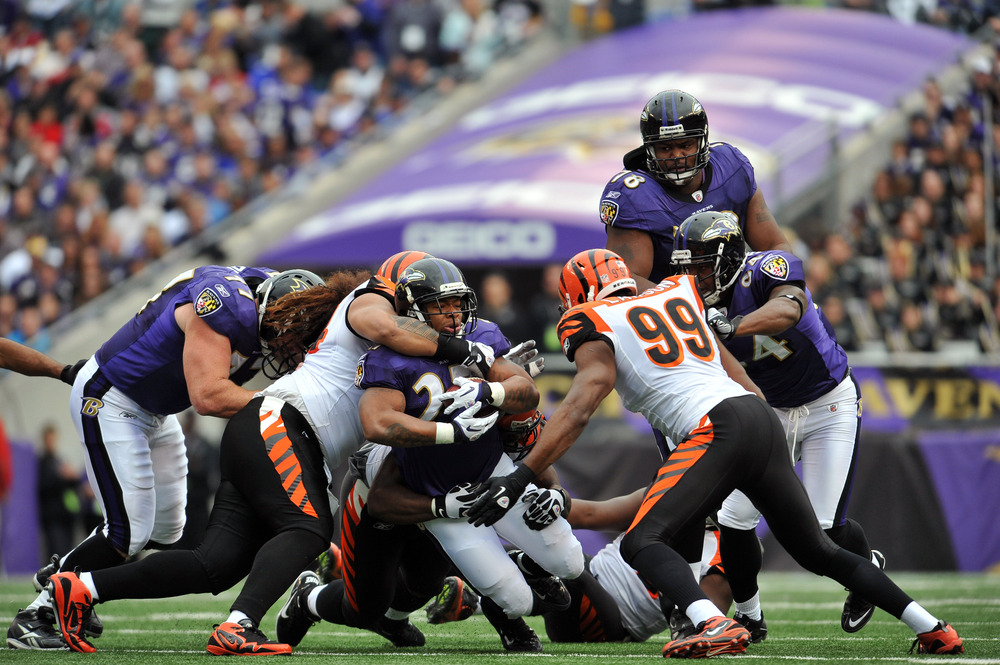 BALTIMORE - NOVEMBER 20:  Ray Rice #27 of the Baltimore Ravens runs the ball against the Cincinnati Bengals at M&T Bank Stadium on November 20, 2011 in Baltimore, Maryland. The Ravens defeated the Bengals 31-24. (Photo by Larry French/Getty Images)