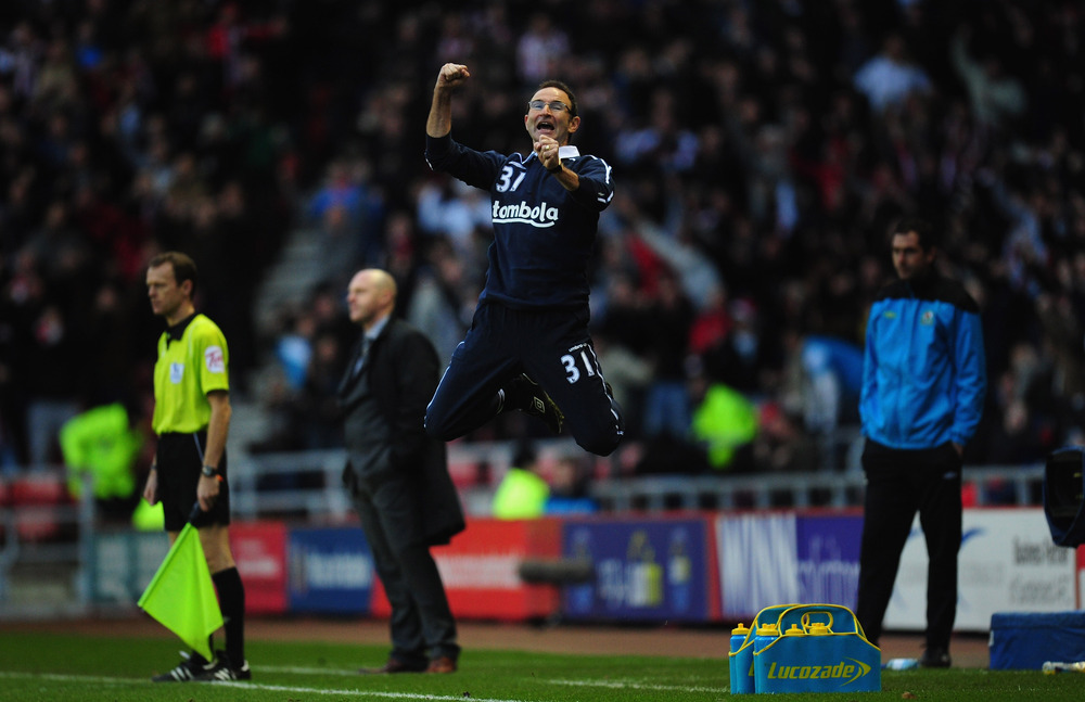 New Sundeland manager Martin O' Neill reacts after Sunderland equalise during the Barclays premier league game between Sunderland and Blackburn Rovers at Stadium of Light in Sunderland, England.  (Photo by Stu Forster/Getty Images)
