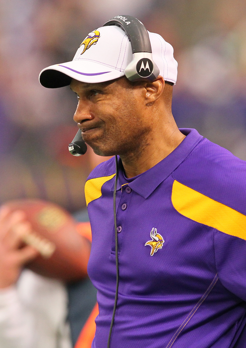Leslie Frazier farts and hopes no one hears it.
