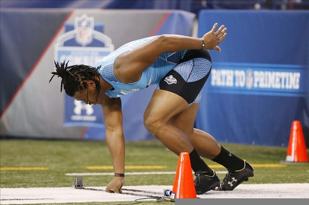 Feb 27, 2012; Indianapolis, IN, USA; Alabama Crimson Tide linebacker Dont'a Hightower lines up to run the 40 yard dash during the NFL Combine at Lucas Oil Stadium. Mandatory Credit: Brian Spurlock-US PRESSWIRE
