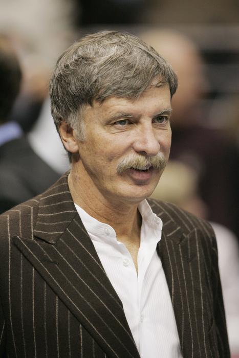 Kroenke wants to buy the Rams.