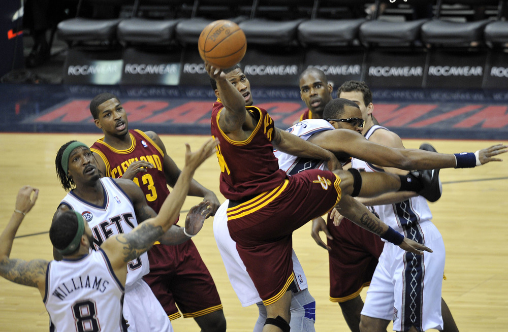 Look at Antawn Jamison's face. He has NO idea what Alonzo Gee is doing. Neither do we, really.