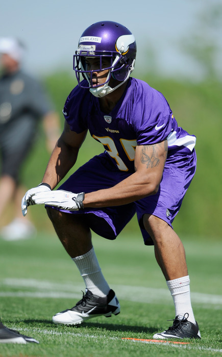 EDEN PRAIRIE, MN - MAY 4: Greg Childs #85 of the Minnesota Vikings sets up for a drill during a rookie minicamp on May 4, 2012 at Winter Park in Eden Prairie, Minnesota. (Photo by Hannah Foslien/Getty Images)