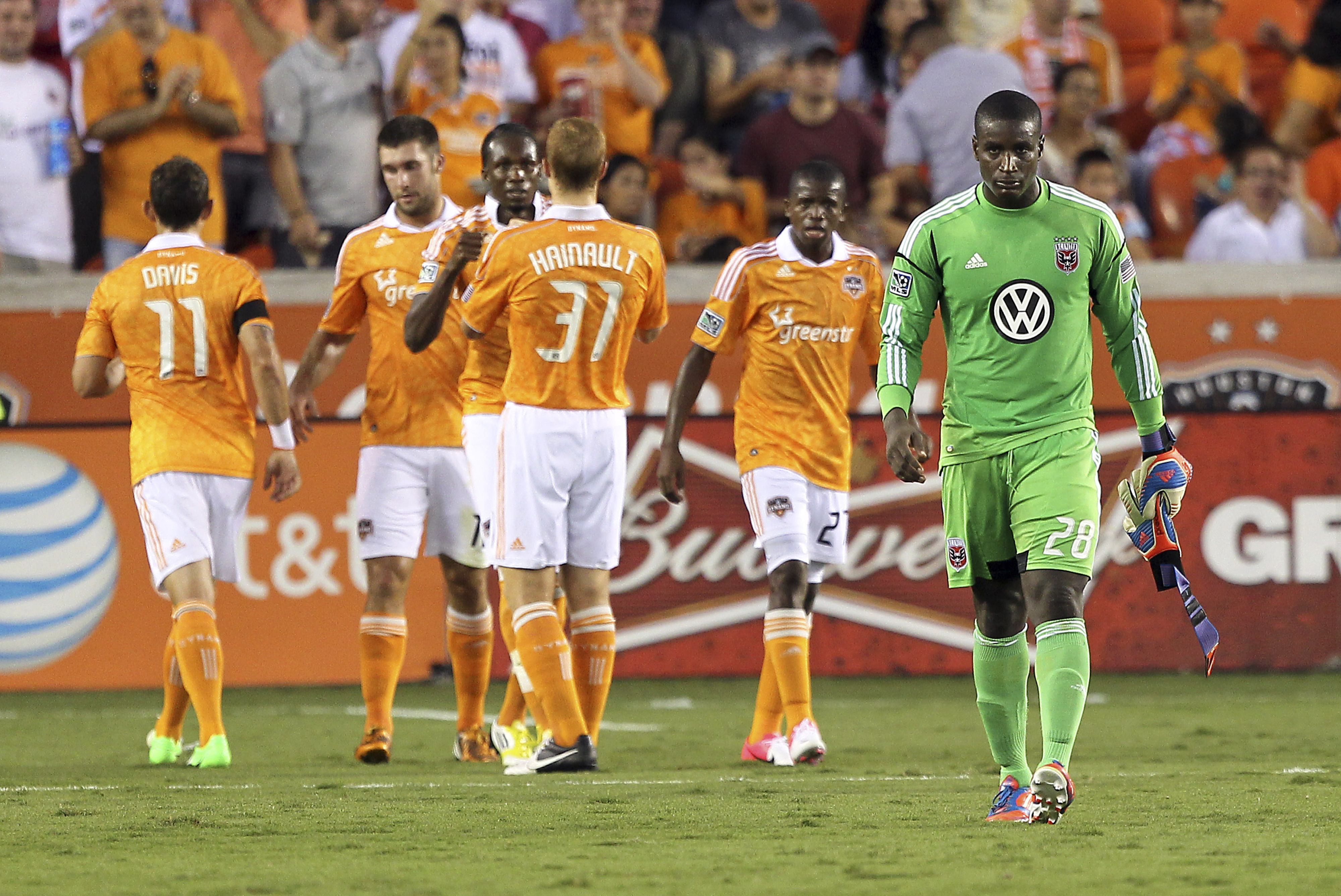 Unfortunately we didn't get to see these two playoff-bound teams play 11 vs. 11, because a recurring problem for Bill Hamid recurred again.