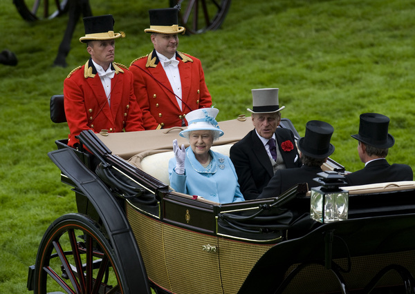 ASCOT, ENGLAND - JUNE 18:  Queen Elizabeth II and Prince Philip, Duke of Edinburgh arrive on the 4th day of Royal Ascot at Ascot racecourse on June 18, 2010 in Ascot, England  (Photo by Alan Crowhurst/ Getty Images)