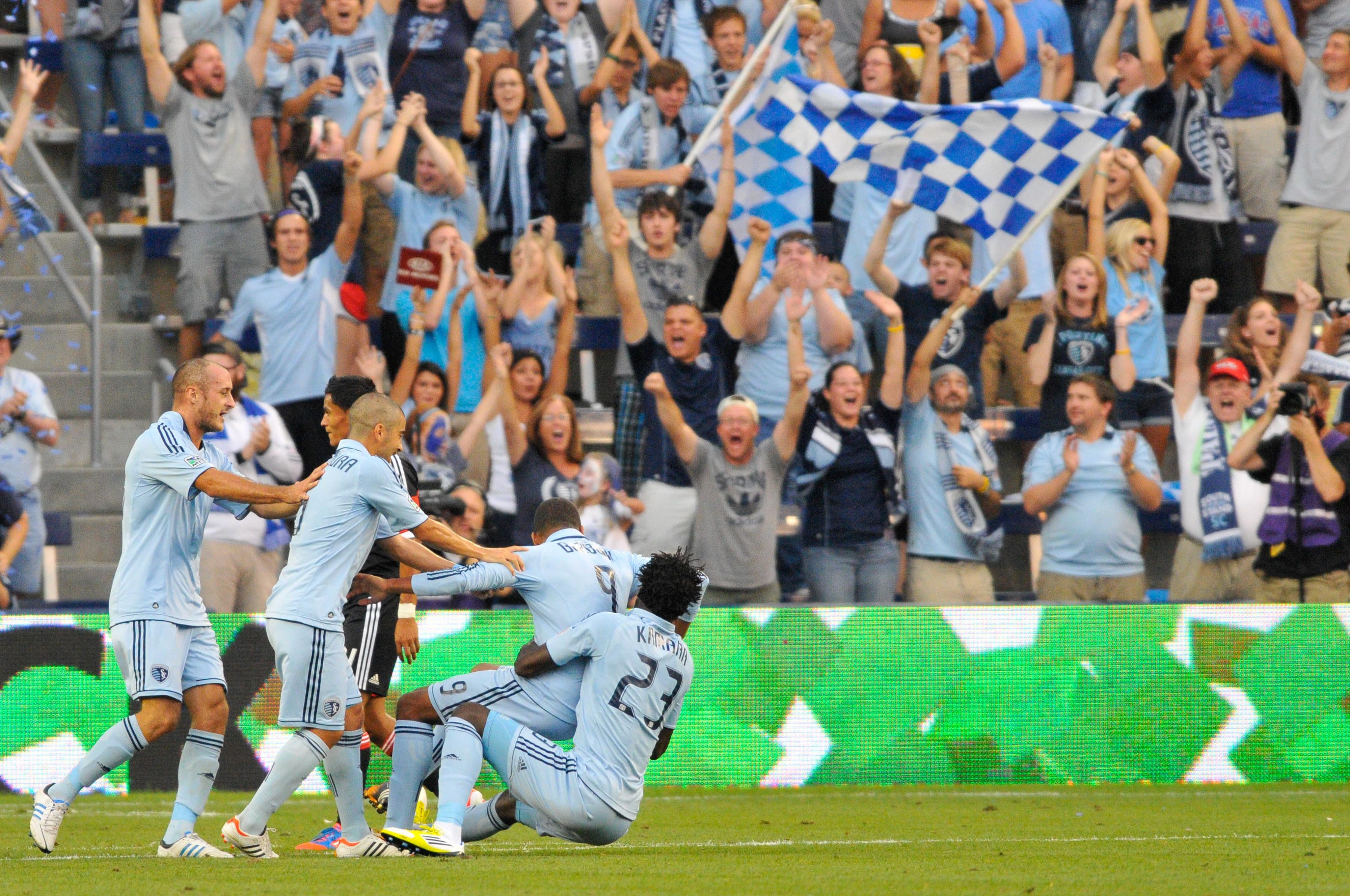 United was no match for the 4-3-3 tactics of Sporting Kansas City tonight