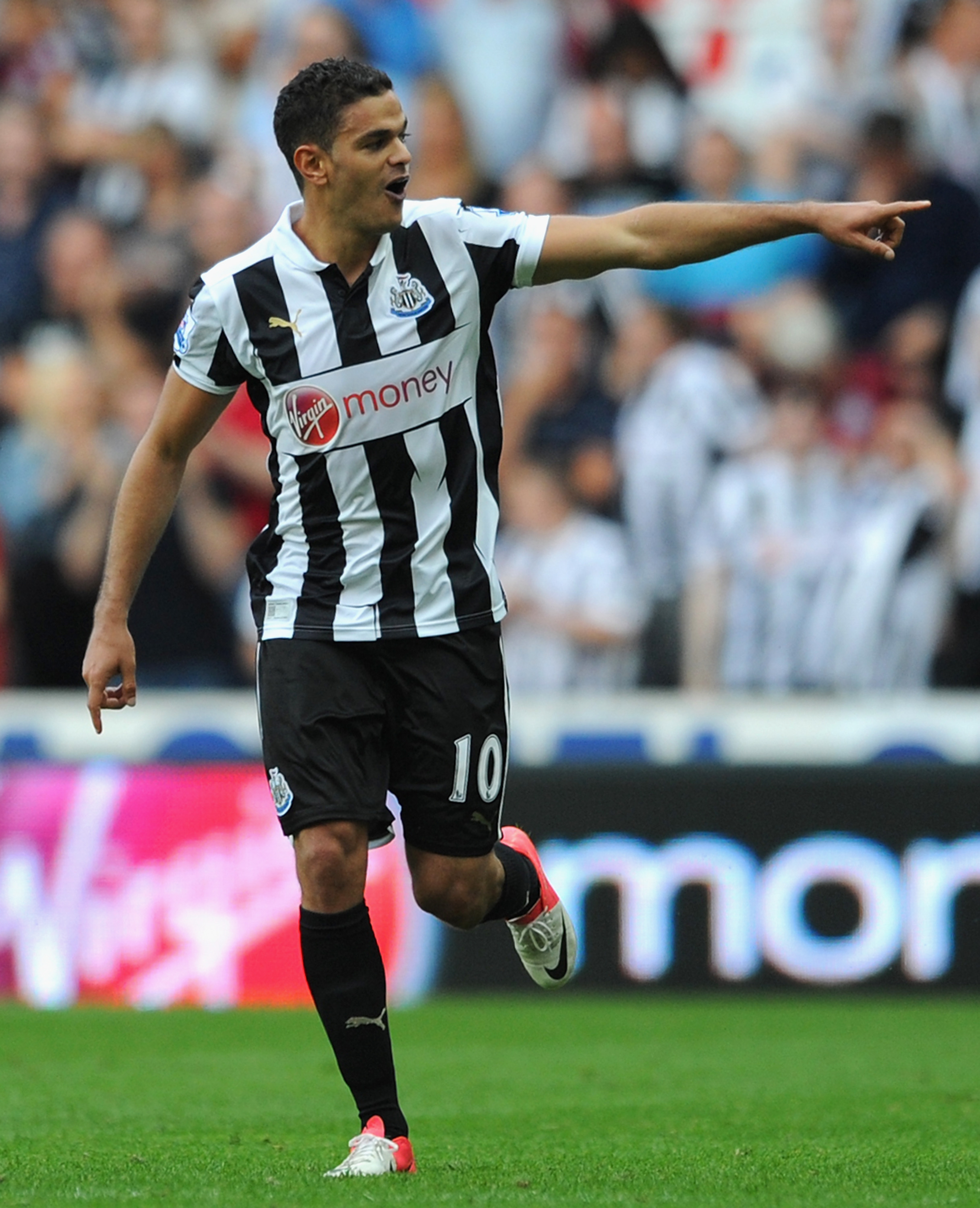 Newcastle scored their second goal Saturday after Hatem Ben Arfa caused some trouble on a short corner.  Is the short corner a better percentage play than the traditional corner, or does it represent a wasted chance?