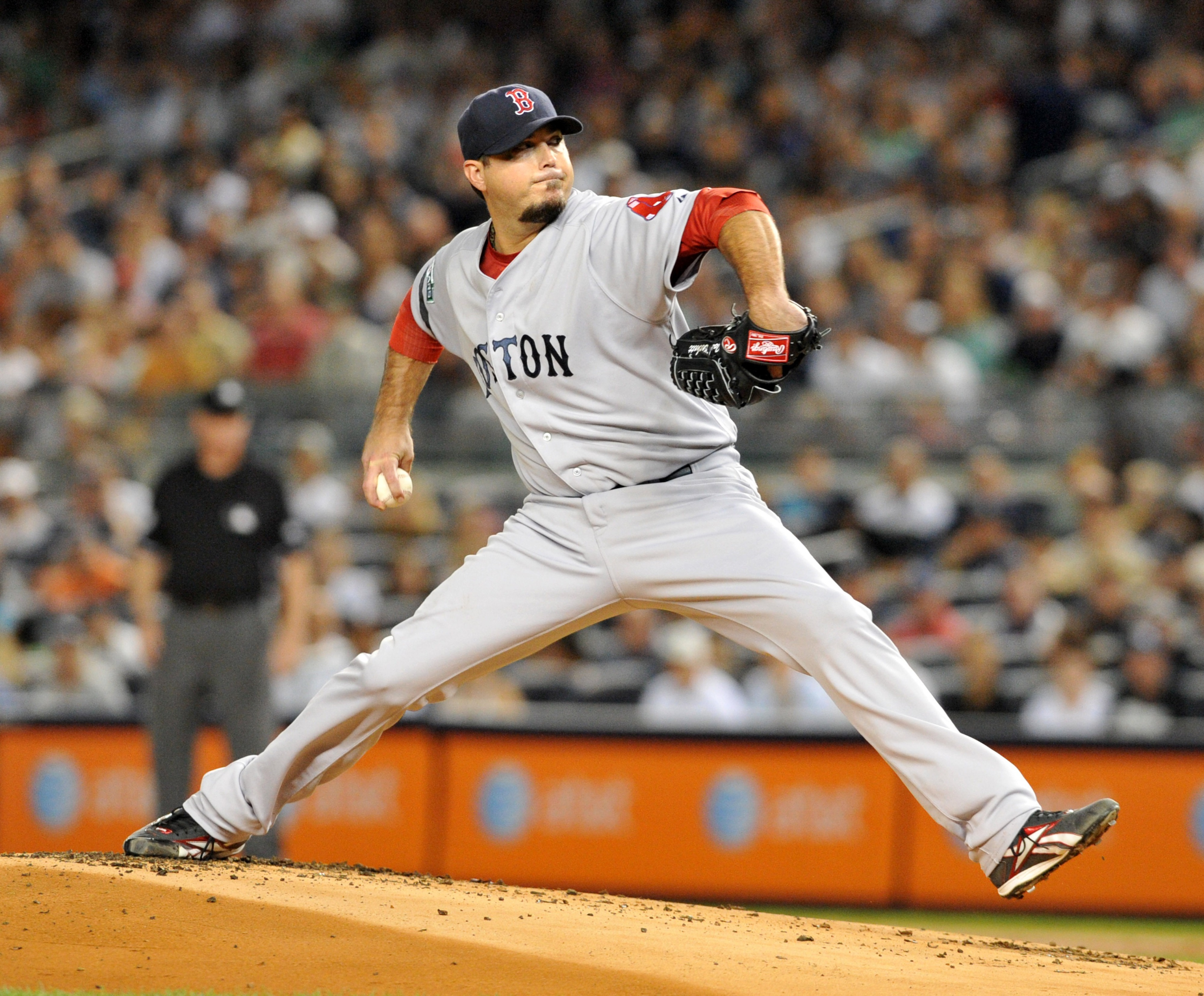 NEW YORK, NY: Josh Beckett #19 of the Boston Red Sox pitches against the New York Yankees at Yankee Stadium in the Bronx borough of New York City. (Photo by Jason Szenes/Getty Images)
