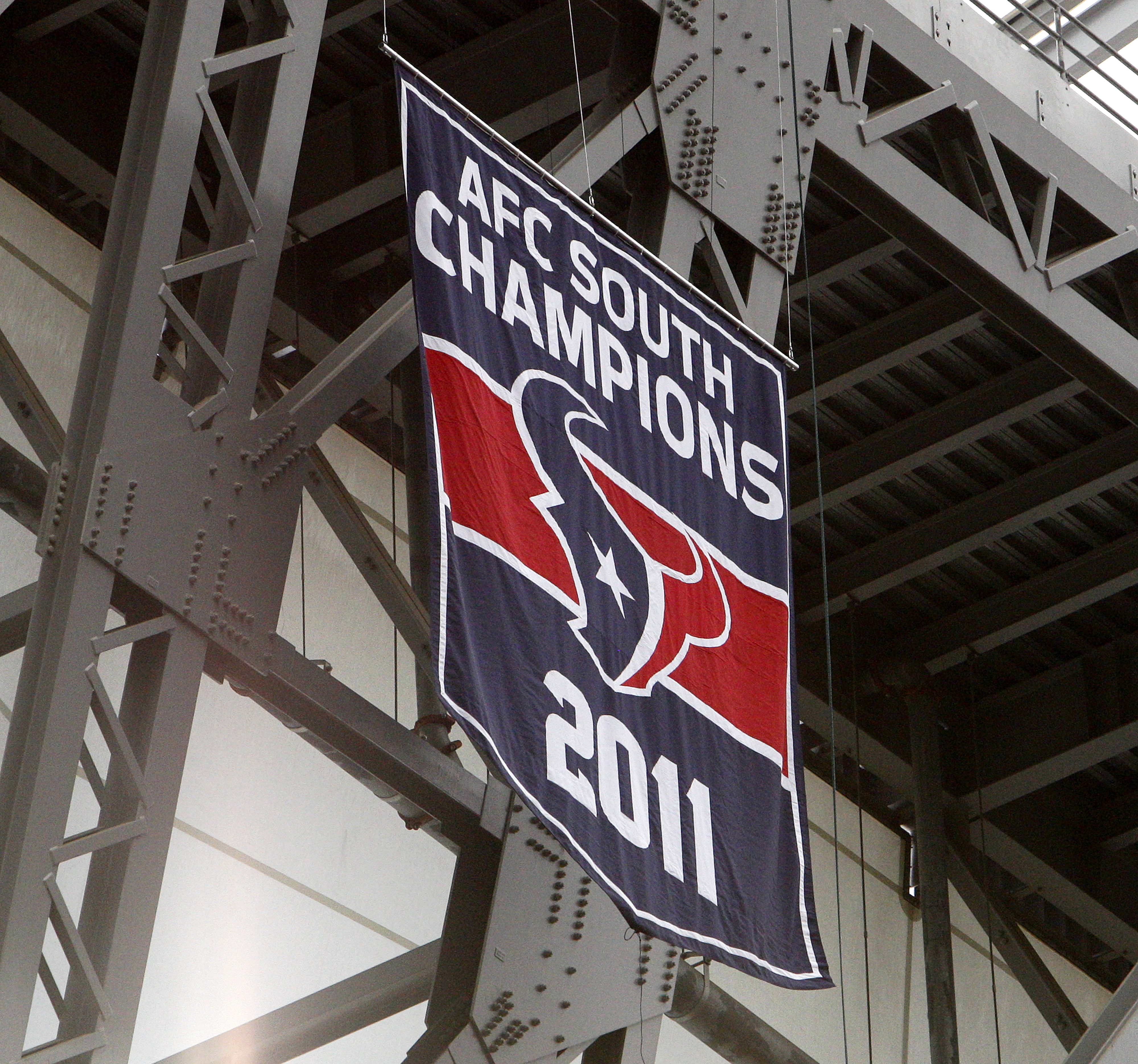 This banner looks a little lonely. Let's get some friends for it to hang out with.