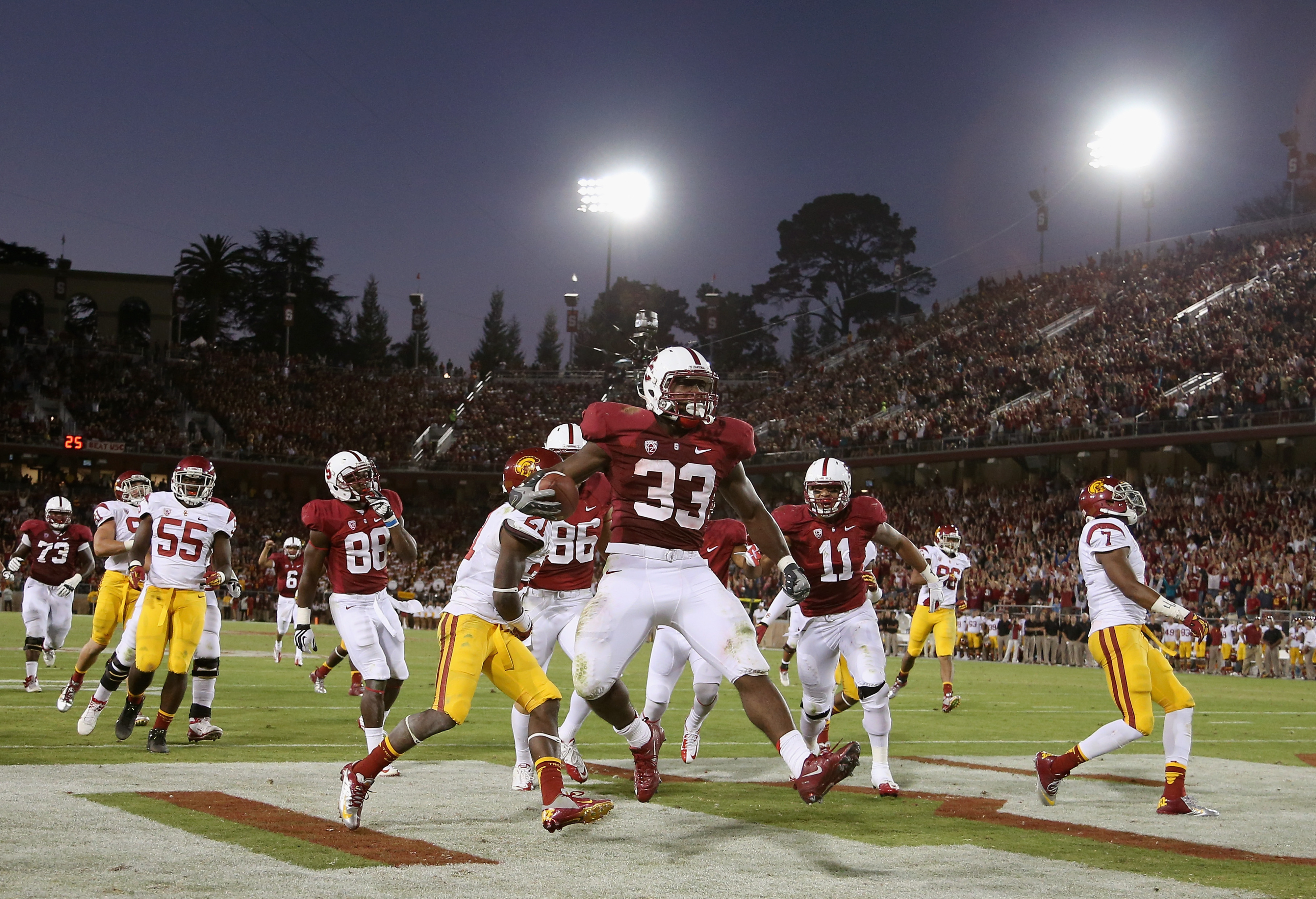 PALO ALTO, CA - SEPTEMBER 15: Stepfan Taylor #33 of the Stanford Cardinal runs in for a touchdown against the USC Trojans at Stanford Stadium on September 15, 2012 in Palo Alto, California.  (Photo by Ezra Shaw/Getty Images)