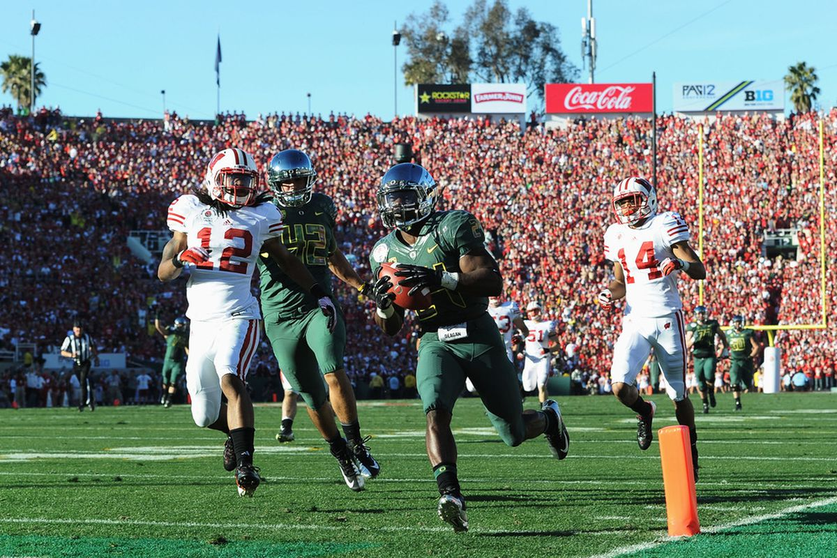 Kenjon Barner has shown his versatility, and in 2012 he'll need to lead the Oregon rushing attack.