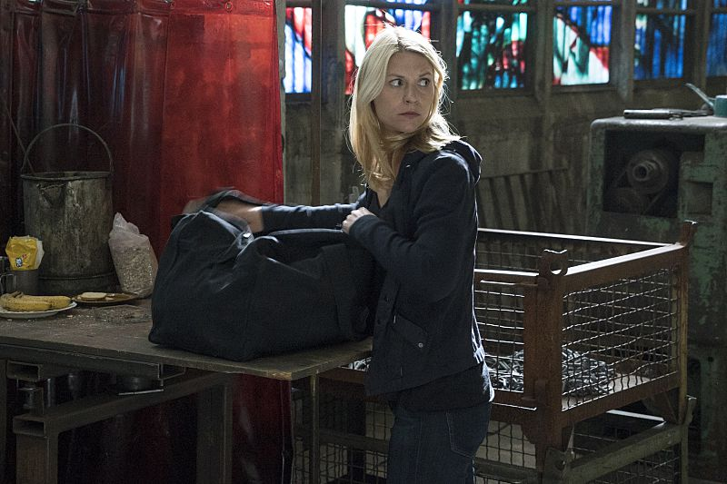 Carrie Mathison and a duffel bag on Homeland.