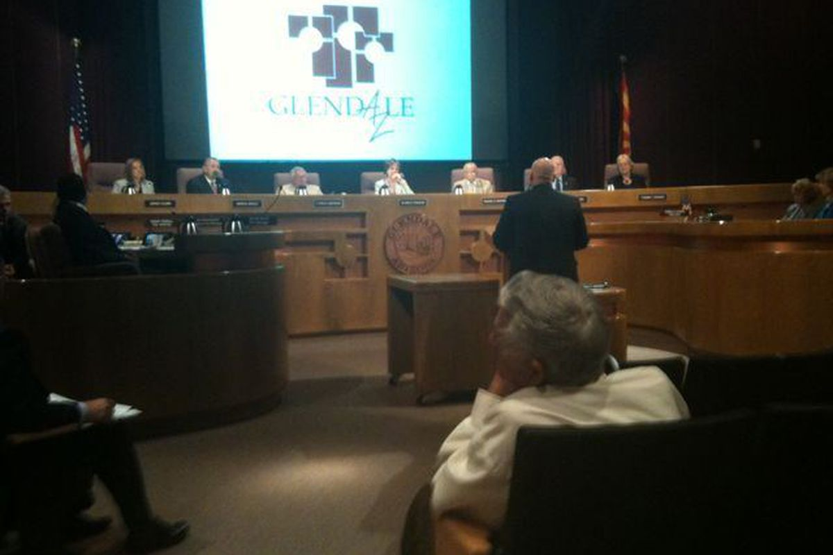 NHL Deputy Commissioner Bill Daly addresses the Glendale City Council during its open meeting on November 11, 2010 (photo courtesy of @jordanellel)