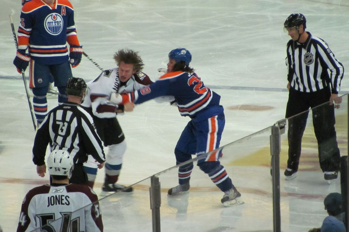 Ryan Jones started the Oilers off with some energy, with a very long bought 11 seconds into the game. Photo by Lisa McRitchie all rights reserved.