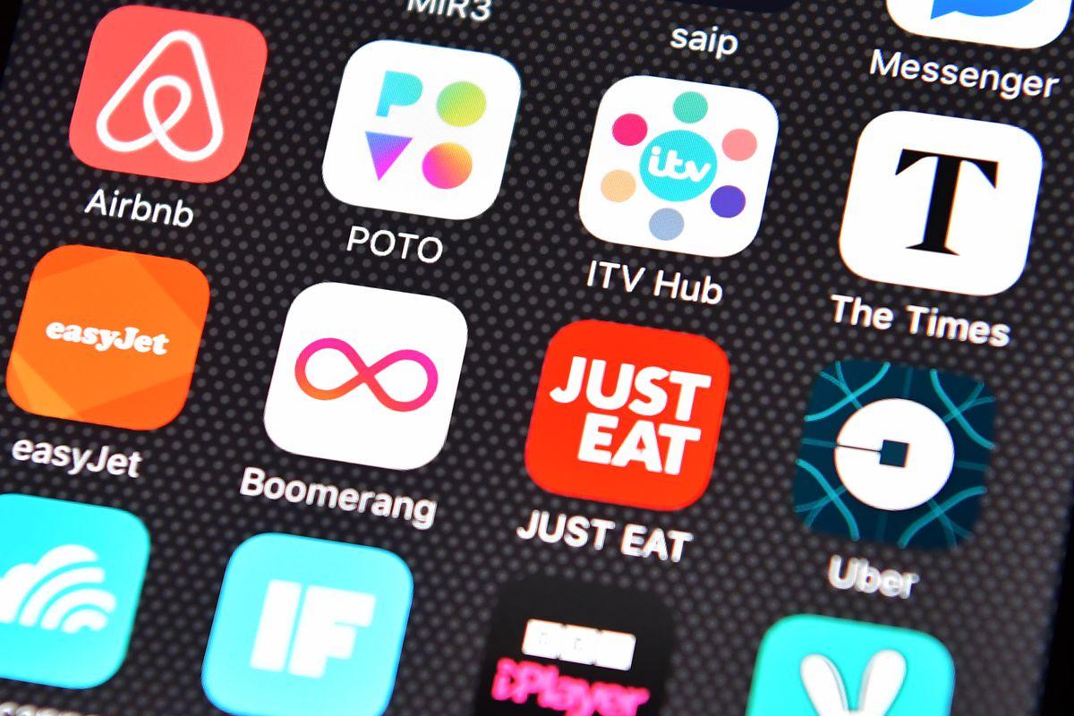 Half of U S  smartphone users download zero apps per month - Vox