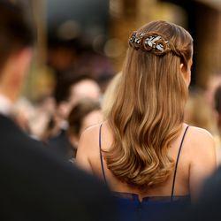 Brie Larson turned a Niwaka brooch into a hair accessory.