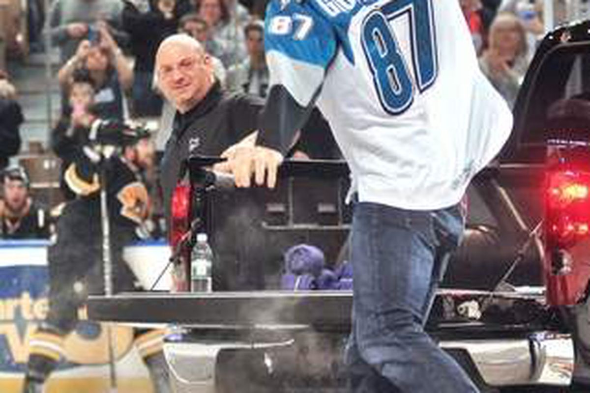 Patriots tight end Rob Gronkowski spiking the puck into pieces at the DCU Center on Feb. 24 was the lone highlight for the Worcester Sharks.  <strong>Photo courtesy of Steve Lanava of www.telegram.com</strong>