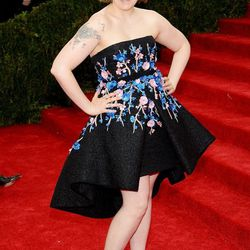 Lena Dunham in Giambattista Valli Haute Couture