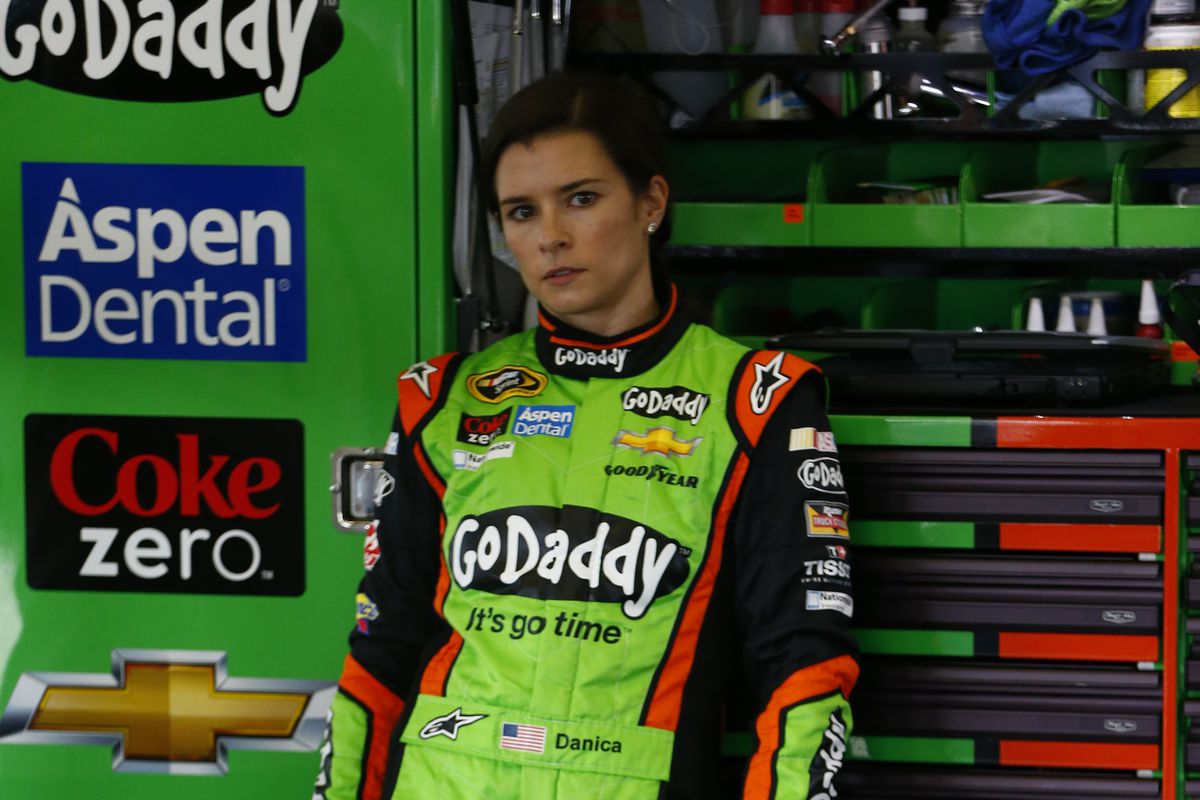 Danica Patrick has guaranteed spot in Daytona 500 with Premium Motorsports