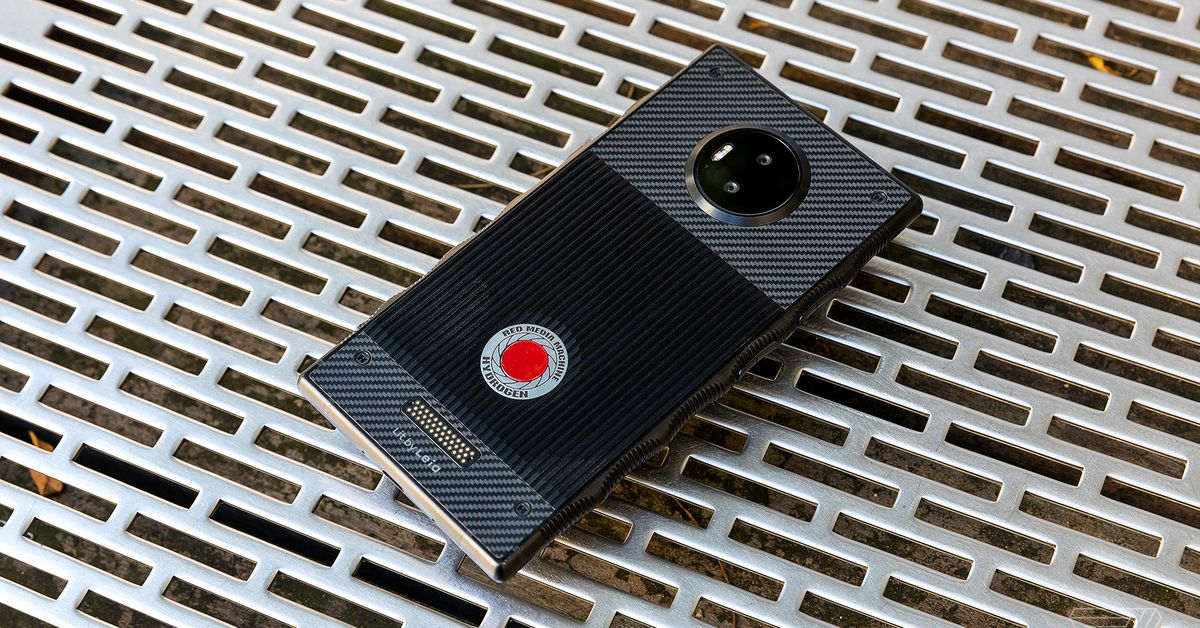 RED Hydrogen One Review: Red, dead, no redemption - The Verge