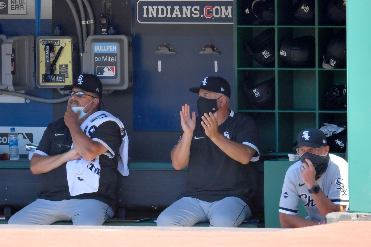 Manager Rick Renteria (middle) has the White Sox on a tear.