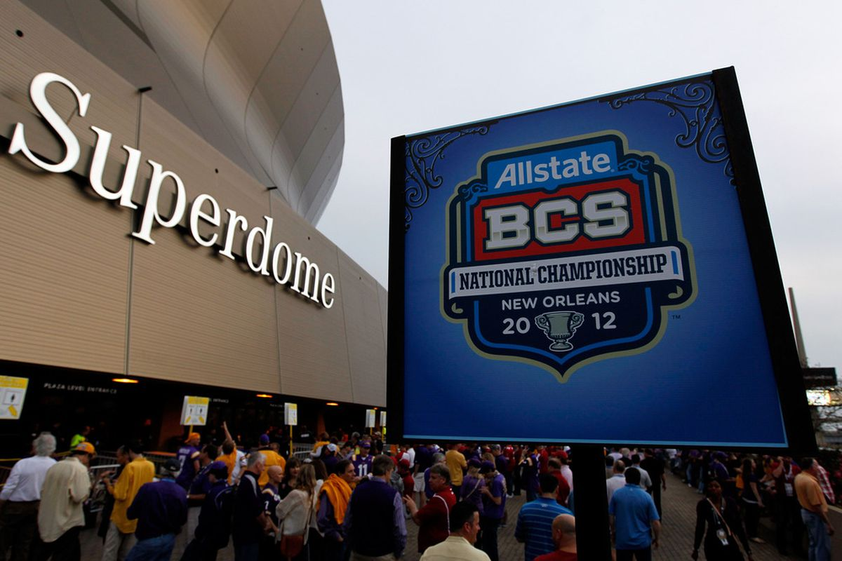 NEW ORLEANS, LA - JANUARY 09:  Fans stand outside of  Mercedes-Benz Superdome prior to the 2012 Allstate BCS National Championship Game on January 9, 2012 in New Orleans, Louisiana.  (Photo by Kevin C. Cox/Getty Images)