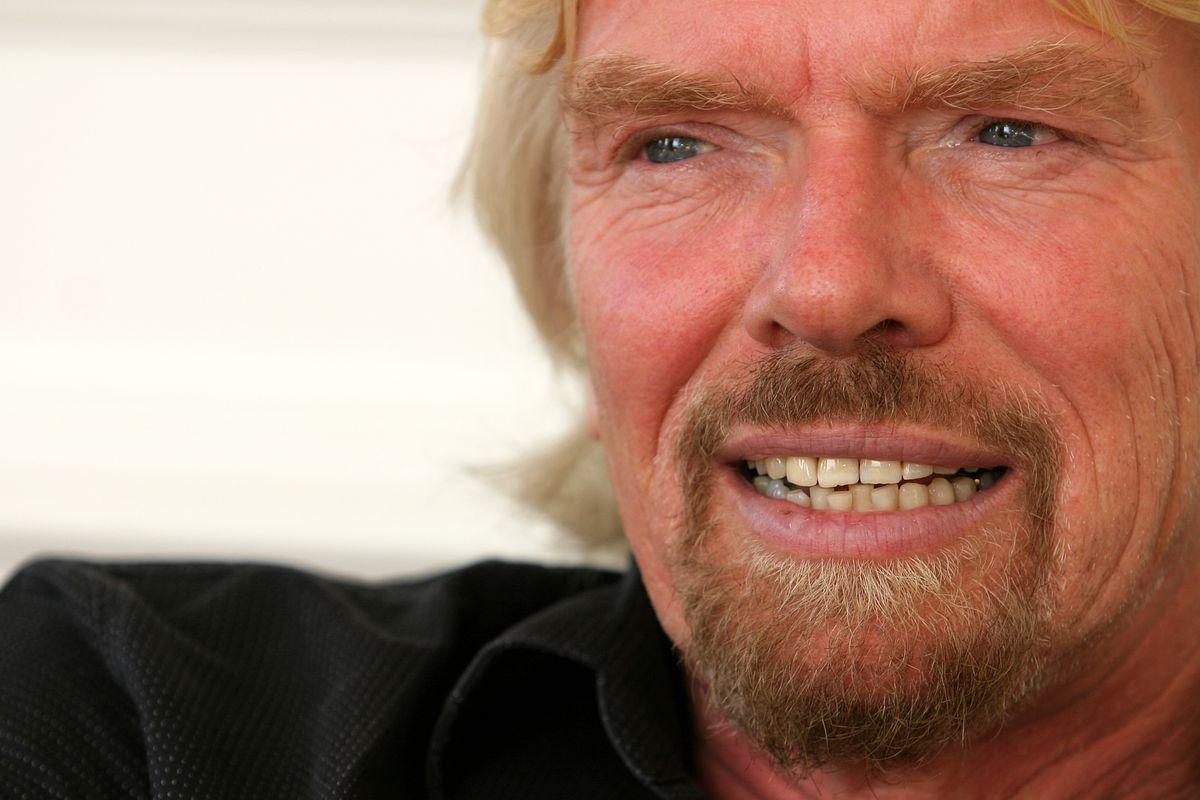 Richard Branson Speaks After Virgin Galactic Tragedy - Recode