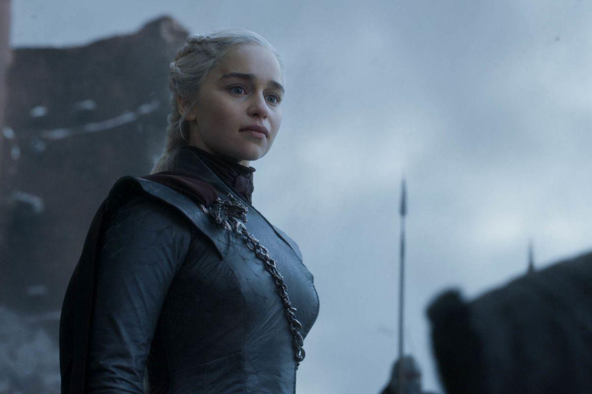 emilia clarke as daenerys targaryen in game of thrones series finale