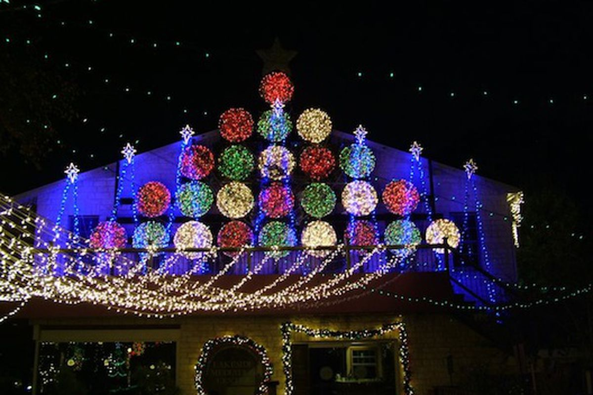 mozarts holiday light display photo mozarts facebook