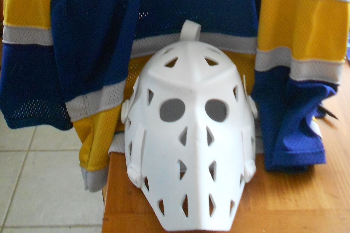 Mike Liut game worn Blues jersey (1984-85) and mask