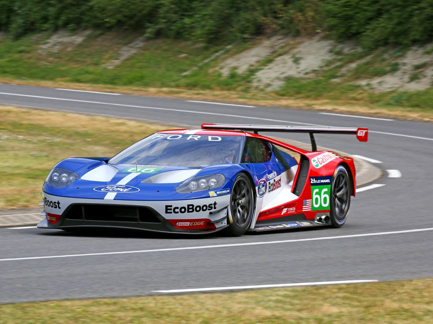 It S Official The Ford Gt Is Entering Lemans In 2016 The Verge