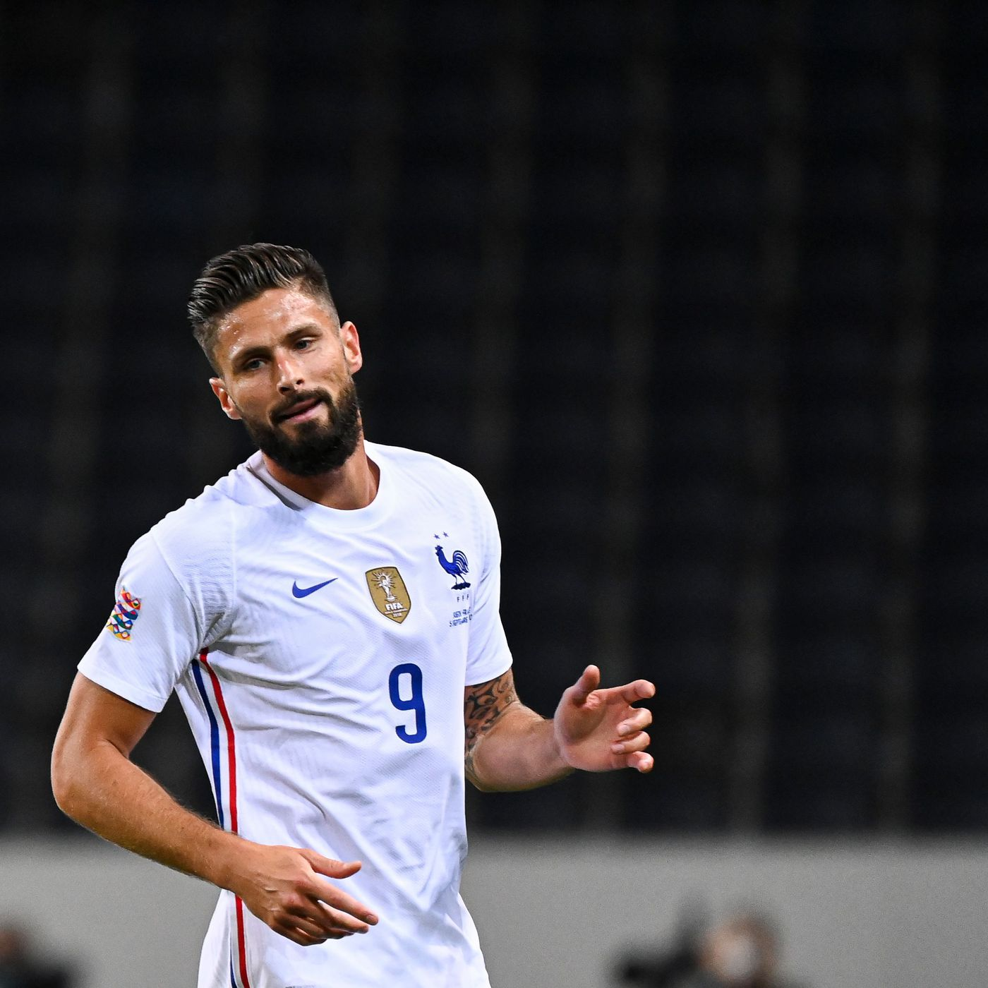 Sky Italia Juve Agree To Terms With Olivier Giroud Everton Balking At Moise Kean Loan Black White Read All Over