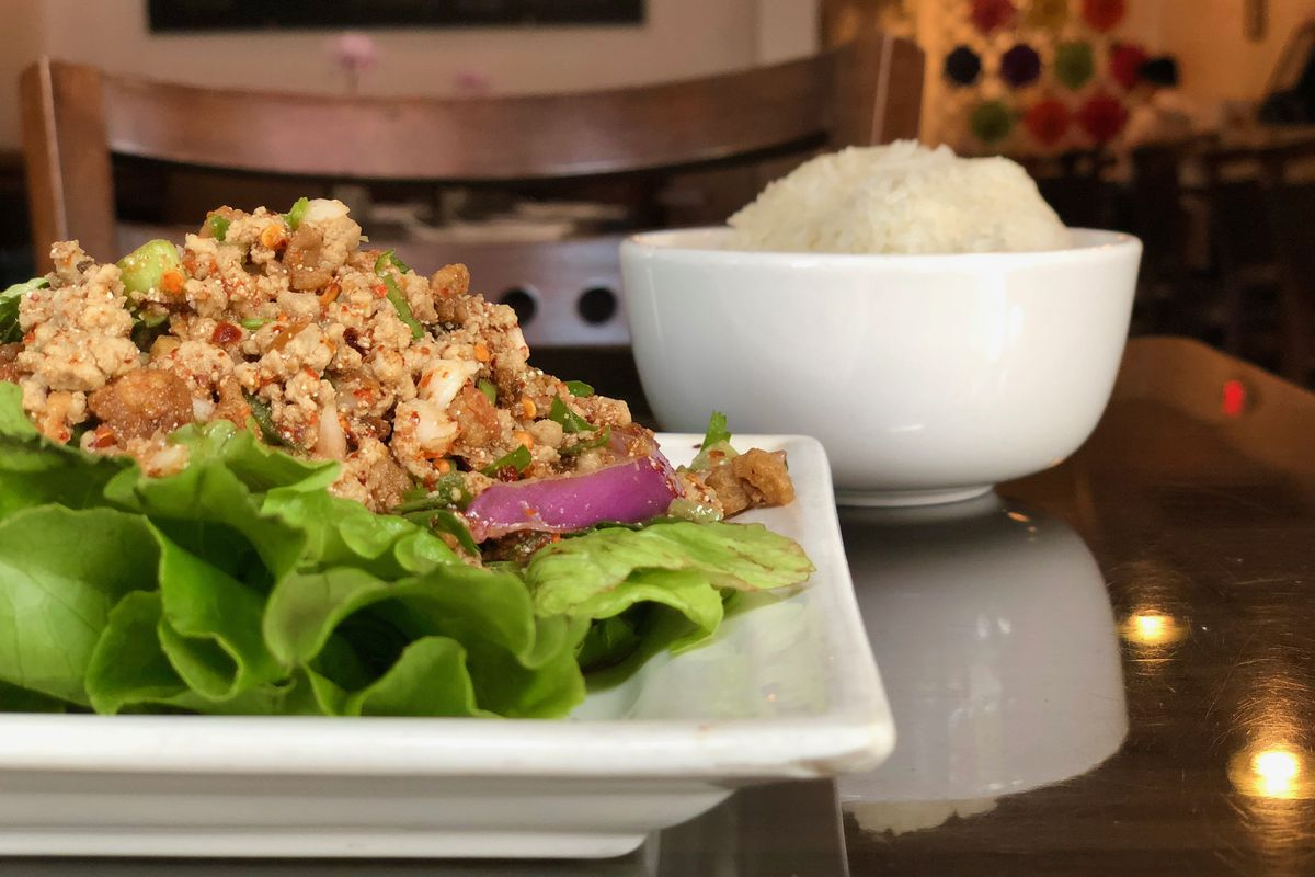 Larb Ubol In Hell S Kitchen Is Still Among Nyc S Top Thai