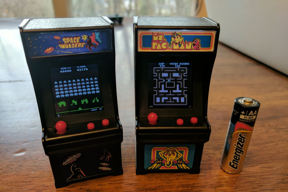 Tiny arcade machines for $20 are perfect stocking stuffers