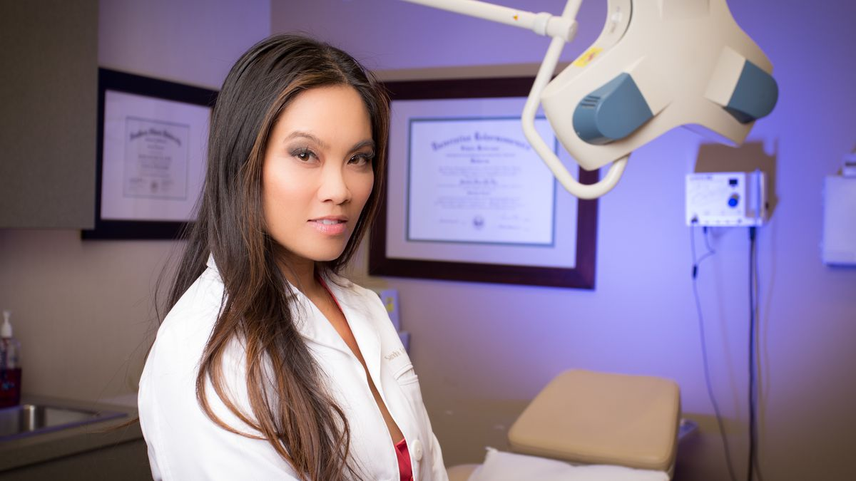 Meet 'Dr  Pimple Popper,' the Dermatologist Who Became a