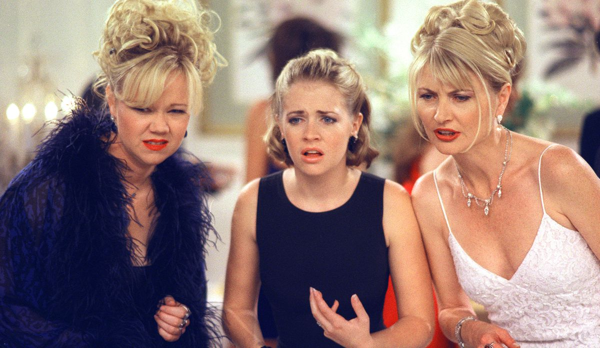 Sabrina and two of her aunts look worried on Sabrina the Teenage Witch
